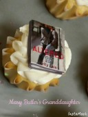 Cupcakes with mini Altered books